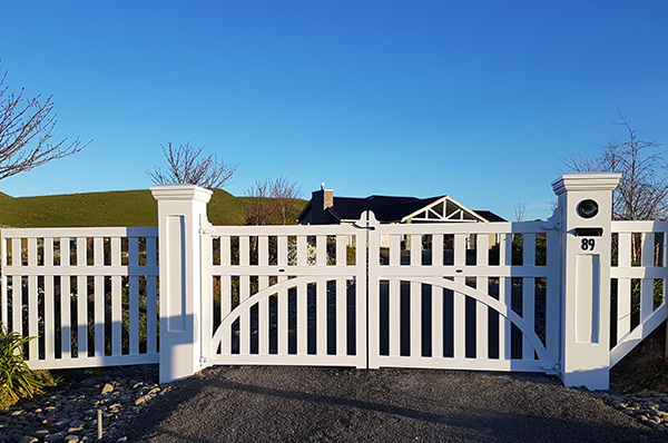 Madison Gates and Fencing - Heyhoe Install  slow res