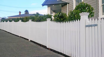 NUREMBERG Picket Kitset Fencing (Pre-Primed) 1500h